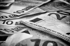 Σωρός των ευρο- τραπεζογραμματίων μαύρο λευκό στοκ φωτογραφία