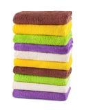 Σωρός των καθαρών φρέσκων πετσετών που απομονώνονται Στοκ εικόνα με δικαίωμα ελεύθερης χρήσης