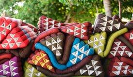 Σωρός των μαξιλαριών τριγώνων Στοκ Εικόνες