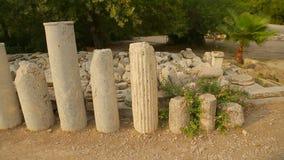 Σωρός των μαρμάρινων πετρών και των στηλών, αρχαιολογικά συμπεράσματα ανασκαφών στην αγορά απόθεμα βίντεο