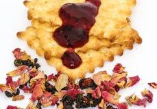 Σωρός των μπισκότων με τη μαρμελάδα στοκ φωτογραφία με δικαίωμα ελεύθερης χρήσης