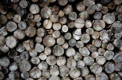 Σωρός των ξύλινων κούτσουρων Στοκ φωτογραφίες με δικαίωμα ελεύθερης χρήσης