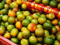 Σωρός των πορτοκαλιών στην αγορά Στοκ φωτογραφία με δικαίωμα ελεύθερης χρήσης