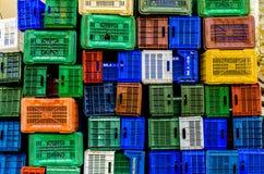 Σωρός των πλαστικών κιβωτίων στοκ φωτογραφία με δικαίωμα ελεύθερης χρήσης