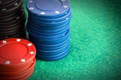 Σωρός των τσιπ πόκερ Στοκ φωτογραφίες με δικαίωμα ελεύθερης χρήσης