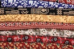 Σωρός των υφασμάτων υφασμάτων στην Ινδία Στοκ Φωτογραφίες