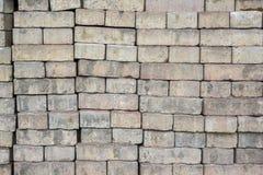 Σωρός των φραγμών τούβλου που χρησιμοποιούνται για τον τρόπο δαπέδων και περιπάτων Στοκ Φωτογραφίες