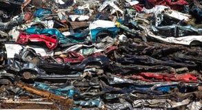 Σωρός των χρησιμοποιημένων αυτοκινήτων, ναυπηγείο απορρίματος αυτοκινήτων Στοκ Εικόνες
