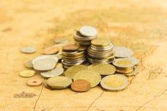 Σωρός των χρυσών νομισμάτων χρημάτων Στοκ Εικόνα