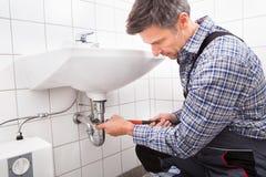 Σωλήνας νεροχυτών συναρμολογήσεων υδραυλικών Στοκ φωτογραφία με δικαίωμα ελεύθερης χρήσης