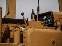 Σωλήνας που βάζει τη δευτερεύουσα μηχανή βραχιόνων στοκ εικόνα με δικαίωμα ελεύθερης χρήσης