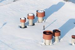 Σωλήνες διεξόδων στη στέγη Στοκ Εικόνες