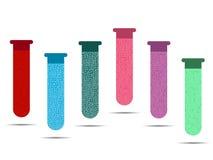 Σωλήνες με τα χρωματισμένα υγρά σε ένα άσπρο υπόβαθρο Τα φιαλίδια του εμβολίου, αναλύουν και ιοί απεικόνιση αποθεμάτων