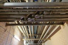 Σωλήνες στο βιομηχανικό εργαστήριο Στοκ Φωτογραφίες