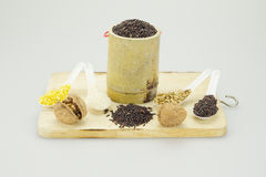 Σόγια και ρύζι ξύλων καρυδιάς με το σπόρο ηλίανθων και το μαύρο ρύζι Στοκ εικόνες με δικαίωμα ελεύθερης χρήσης