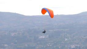 Σόλο πτήση Paraglide απόθεμα βίντεο