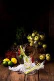Σόδα σταφίδων της Apple με τον ασβέστη Στοκ Εικόνες