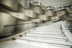Σύγχρονα άσπρα μαρμάρινα σκαλοπάτια Στοκ φωτογραφία με δικαίωμα ελεύθερης χρήσης