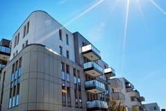 Σύγχρονα εξωτερικά πολυκατοικιών Στοκ Εικόνα