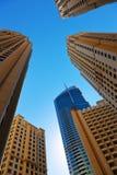 Σύγχρονα κτήρια στη μαρίνα Ε.Α.Ε. του Ντουμπάι Στοκ φωτογραφία με δικαίωμα ελεύθερης χρήσης