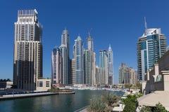 Σύγχρονα κτήρια στη μαρίνα του Ντουμπάι Στοκ φωτογραφία με δικαίωμα ελεύθερης χρήσης