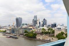 Σύγχρονα κτίρια γραφείων Λονδίνο, άποψη από τη γέφυρα πύργων, Λονδίνο, Ηνωμένο Βασίλειο Στοκ Εικόνες