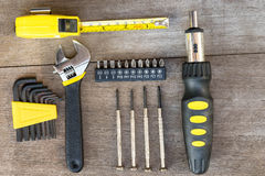 Σύγχρονα μηχανικά εργαλεία στο ξύλο Στοκ Εικόνα