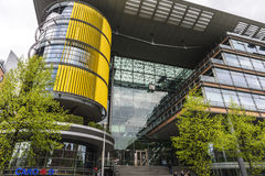 Σύγχρονα πολυκατοικίες και γραφεία στο Βερολίνο, Γερμανία Στοκ εικόνα με δικαίωμα ελεύθερης χρήσης