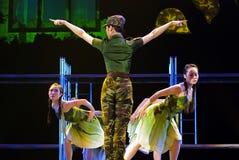 Σύγχρονα χορεύοντας κορίτσια Στοκ φωτογραφία με δικαίωμα ελεύθερης χρήσης
