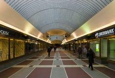 Σύγχρονες αγορές arcade συνδέουν τη νέα πόλη και την παλαιά πόλη της Πράγας Στοκ Εικόνα