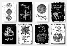 Σύγχρονες και κλασικές δημιουργικές κάρτες Χριστουγέννων σε γραπτό στοκ φωτογραφίες