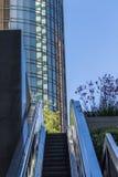 Σύγχρονες κτήριο και κυλιόμενη σκάλα Στοκ Εικόνα