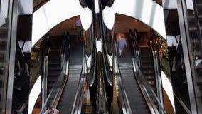Σύγχρονες κυλιόμενες σκάλες λεωφόρων αγορών, Suydney, Αυστραλία απόθεμα βίντεο