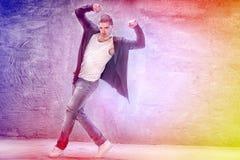 σύγχρονες νεολαίες χορευτών Στοκ Εικόνες