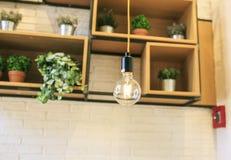 Σύγχρονη λάμπα φωτός σε ένα dinning δωμάτιο Στοκ Φωτογραφίες