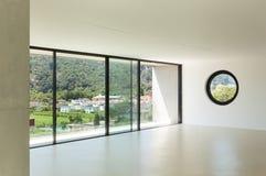 Σύγχρονη αρχιτεκτονική, ευρύ δωμάτιο Στοκ φωτογραφία με δικαίωμα ελεύθερης χρήσης