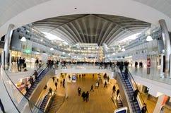 Σύγχρονη αρχιτεκτονική στο εμπορικό κέντρο της υπεράσπισης Λα, Pari Στοκ Φωτογραφία