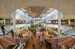 Σύγχρονη αρχιτεκτονική στο εμπορικό κέντρο της υπεράσπισης Λα, Pari Στοκ Φωτογραφίες