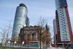 Σύγχρονη αρχιτεκτονική του Ρότερνταμ στις Κάτω Χώρες Στοκ Φωτογραφία