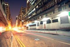 Σύγχρονη αστική πόλη με την κυκλοφορία αυτοκινητόδρομων Στοκ Φωτογραφία