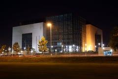 Σύγχρονη βιβλιοθήκη Στοκ εικόνα με δικαίωμα ελεύθερης χρήσης