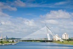 Σύγχρονη γέφυρα καλωδίων στοκ εικόνες