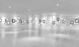 Σύγχρονη ελαφριά αίθουσα με τις κενές αφίσσες Στοκ Εικόνες