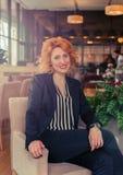 σύγχρονη και δυναμική γυναίκα Στοκ Εικόνα