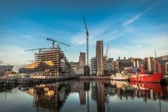 Σύγχρονη κατασκευή πόλεων στοκ εικόνα με δικαίωμα ελεύθερης χρήσης