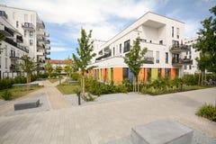 Σύγχρονη κατοικία στην πόλη Στοκ εικόνες με δικαίωμα ελεύθερης χρήσης
