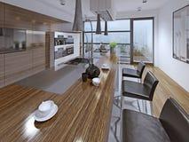 Σύγχρονη κουζίνα με τη χρησιμοποίηση της πρόσοψης zebrano Στοκ φωτογραφίες με δικαίωμα ελεύθερης χρήσης