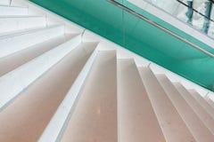 Σύγχρονη μαρμάρινη σκάλα ύφους Στοκ φωτογραφίες με δικαίωμα ελεύθερης χρήσης
