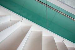 Σύγχρονη μαρμάρινη σκάλα ύφους Στοκ φωτογραφία με δικαίωμα ελεύθερης χρήσης