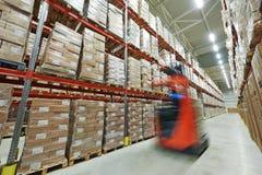 Σύγχρονη μεγάλη αποθήκη εμπορευμάτων Στοκ εικόνες με δικαίωμα ελεύθερης χρήσης